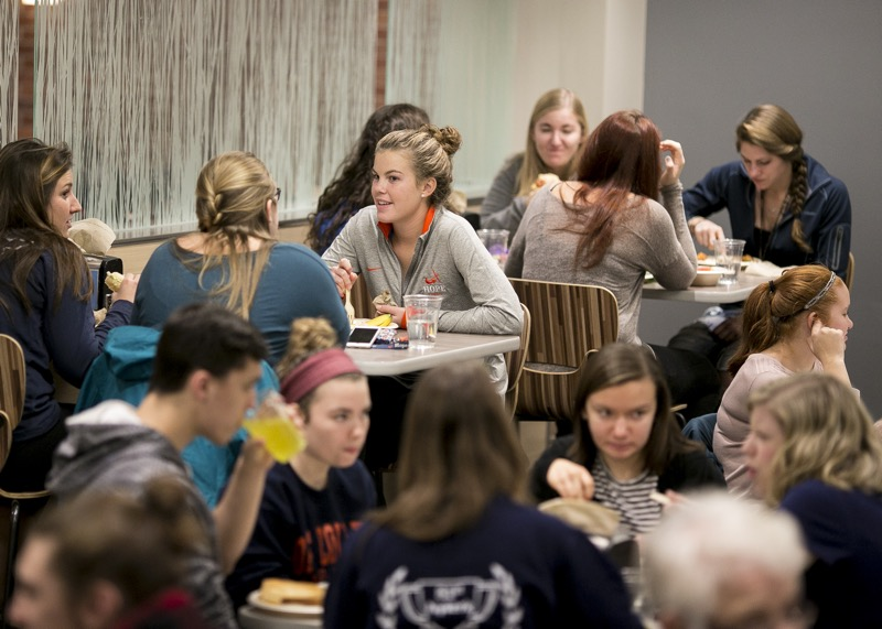 Students eat together in Phelps Dining Hall