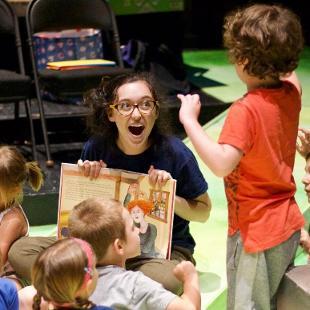 Teaching Artist Mollie Murk leading a workshop at HSRT.