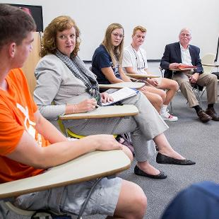 Provost Cady Short-Thompson and President Dennis Voskuil co-teach a First Year Seminar.