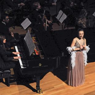 "Soprano Mia Van Erp sings ""Dreaming"" by Lori Laitman. She is accompanied by Janice Fabor on piano."