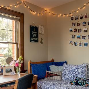 Bedroom in Voorhees Residence Hall