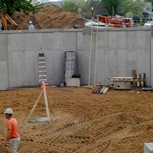 Concrete panels outlining the shape of the Kruizenga Art Museum.