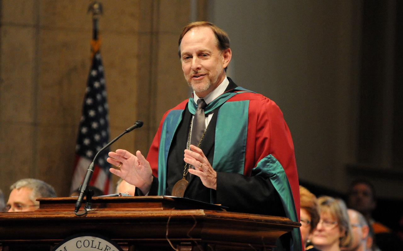 President John Knapp at the podium during the Baccalaureate Service in Dimnent Memorial Chapel.