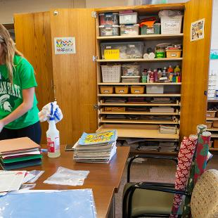 "Hope students participated in a service project at Day Center of Evergreen through the college's annual ""Time to Serve"" program.  Photo by Neil Travers on September 12, 2015"