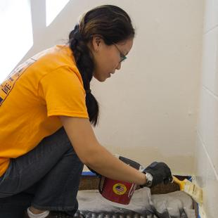 """Hope students participated in a service project at First Presbyterian Church through the college's annual """"Time to Serve"""" program.  Photo by Neil Travers on September 12, 2015"""