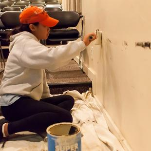 "Hope students participated in a service project at the Holland Civic Theatre through the college's annual ""Time to Serve"" program.  Photo by Neil Travers on September 12, 2015"