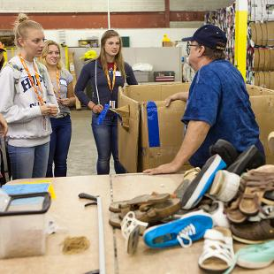 "Hope students participated in a service project at Holland Rescue Mission through the college's annual ""Time to Serve"" program.  Photo by Neil Travers on September 12, 2015"