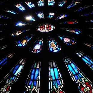 Dimnent Chapel rose window