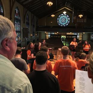 Group worship in Dimnent Chapel
