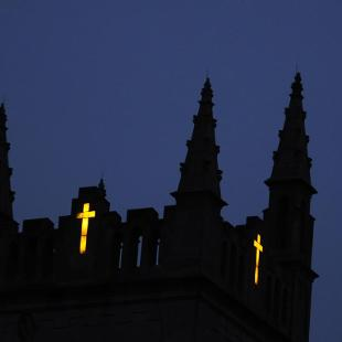 Dimnent Chapel tower at night