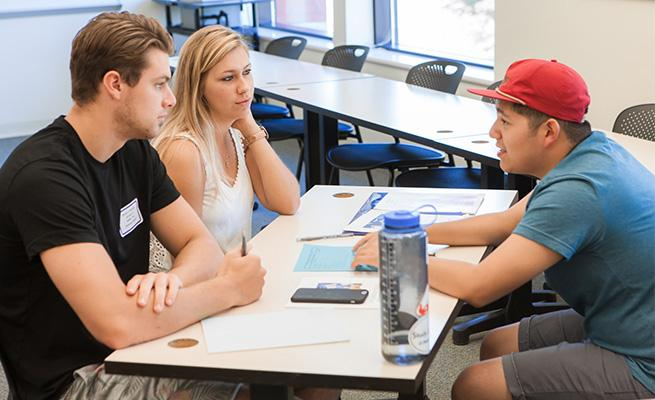 Incoming first-year students hear real experiences from peer advisors at NSAD 2016