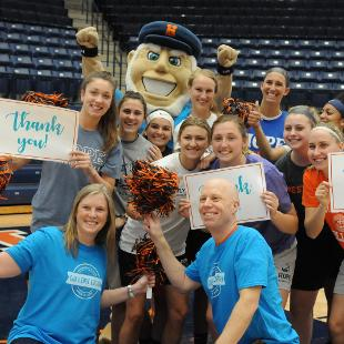 Dutch supporting Scholarship Day of Giving