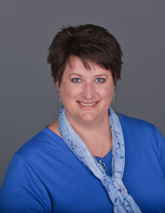 A photo of Kristi VanIngen